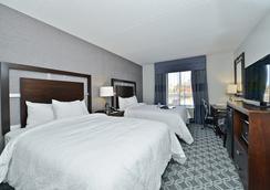 Hampton Inn & Suites Greensboro/Coliseum Area, NC - 그린즈버러 - 침실