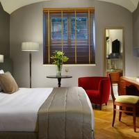 Hotel Principe Torlonia Guestroom