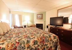 Fireside Inn & Suites - 뱅거 - 침실
