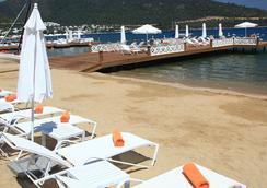그랜드 야지시 부티크 호텔 - 보드룸 - 해변