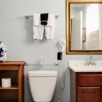The Green House Inn Bathroom