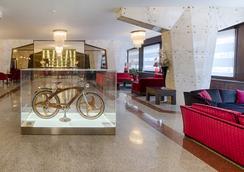 FH 그랜드 호텔 팔라티노 - 로마 - 로비