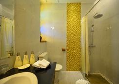 Hotel Amazing Mandalay - 만달레이 - 욕실