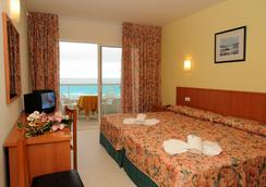 Hotel Natura Park - 콤마루가 - 침실