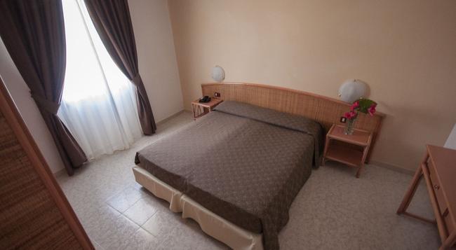 Rina Hotel - 알게로 - 침실