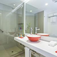 Tryp Bogota Embajada Bathroom