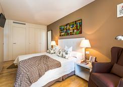 홈어라운드 램브라 스위트 앤 풀빌라 - 바르셀로나 - 침실