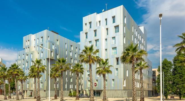 홈어라운드 램브라 스위트 앤 풀빌라 - 바르셀로나 - 건물