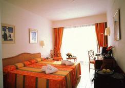 Hotel Grand Teguise Playa - 코스타테기세 - 침실