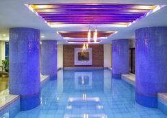아이콘 호텔 이모그 - 마닐라 - 수영장