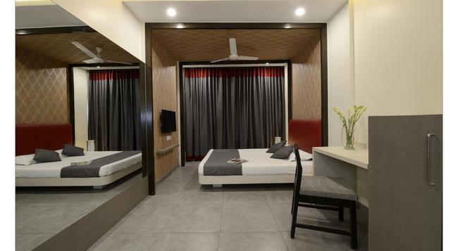 호텔 라즈 마할 - 푸네 - 침실