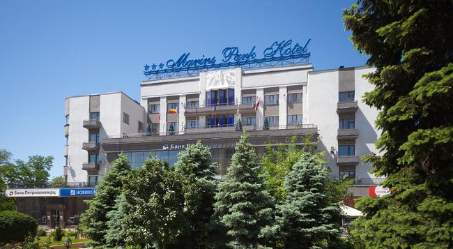 Marins Park Hotel - 로스토프나도누 - 건물