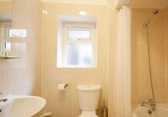 유나이티드 로지 호텔 - 런던 - 욕실