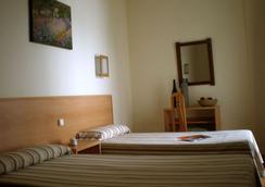 Hotel Kristal - 토레몰리노스 - 침실