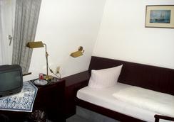 Hotel Zum Klüverbaum - 브레멘 - 침실