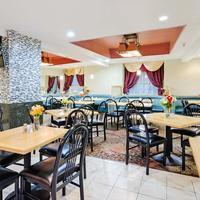퀄리티 인 센트럴 Restaurant