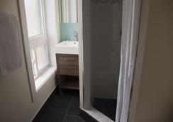 로열 오크 인 - 토론토 - 욕실