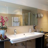 호텔 슐리커 Bathroom Sink
