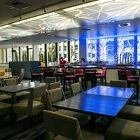 레드 라이언 호텔 온 피프스 애비뉴 Frolik Kitchen + Cocktails