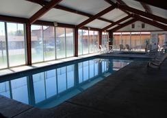 수퍼 8 니어 컨퍼런스 센터 NAU/다운타운 - 플래그스태프 - 수영장