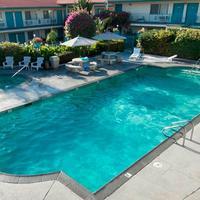 캘리포니아 스위트 호텔 Outdoor Pool