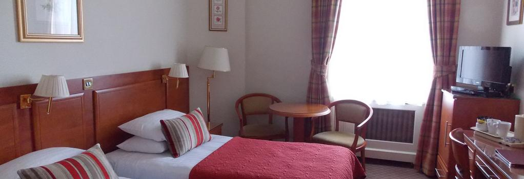 St George Hotel - 런던 - 침실