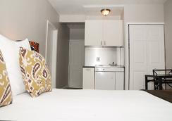 호텔 18 - 마이애미비치 - 침실