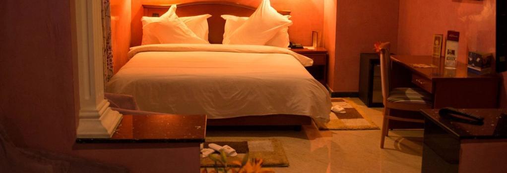 Oum Palace Hotel & Spa - 카사블랑카 - 침실