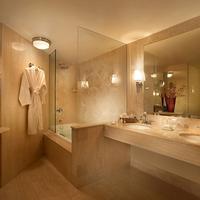 메이페어 호텔 앤드 스파 Bathroom