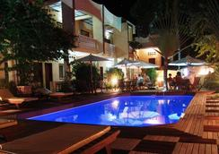 Hôtel Restaurant Coco Lodge Majunga - Majunga - 수영장