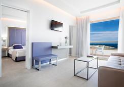 호텔 토레 델 마르 - 이비사 - 침실