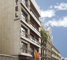 호텔 세라노