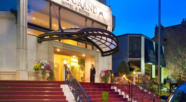 그랜드 호텔 앤 스위트 - 토론토 - 건물
