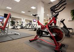 그랜드 호텔 앤 스위트 - 토론토 - 체육관