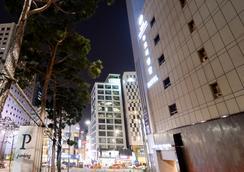 호텔 뉴 오리엔탈 명동 - 서울 - 건물
