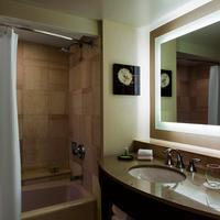 더 웨스틴 벅헤드 아틀란타 Traditional Guest Bathroom