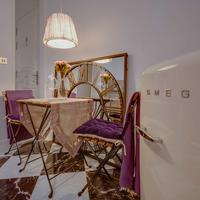 Purple Dog Suites In-Room Dining