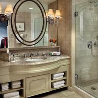 Windsor Court Hotel Bathroom