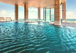 이스로텔 로열 비치 텔아비브 호텔 - 텔아비브 - 수영장