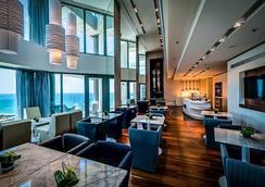 이스로텔 로열 비치 텔아비브 호텔 - 텔아비브 - 라운지
