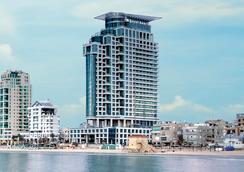 이스로텔 로열 비치 텔아비브 호텔 - 텔아비브 - 건물