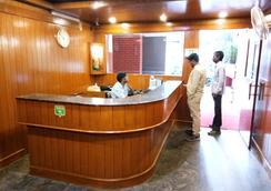 호텔 텔레하우스 인터내셔널 - 벵갈루루 - 로비