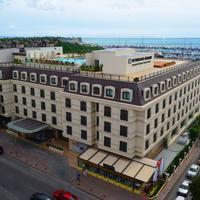 윈덤 그랜드 이스탄불 칼라미스 마리나 호텔 Exterior
