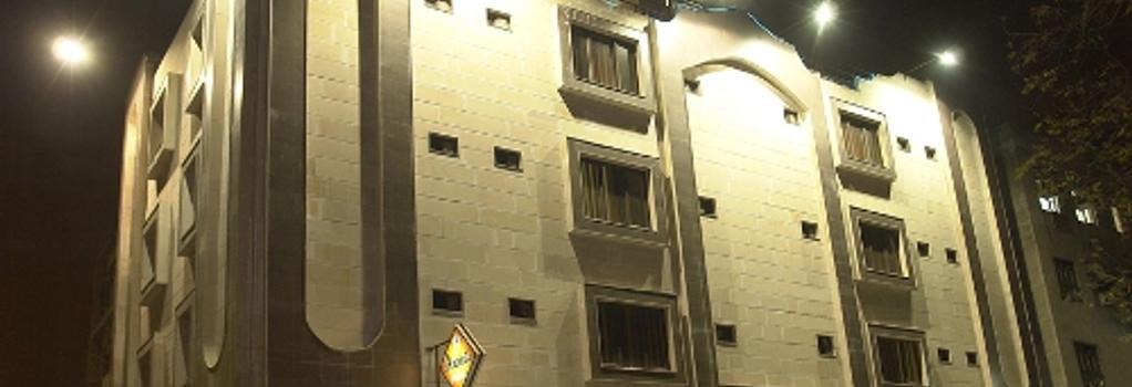 아난다 호텔 - 뉴델리 - 건물