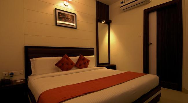 호텔 프리미어 빌라 - 바라나시 - 침실