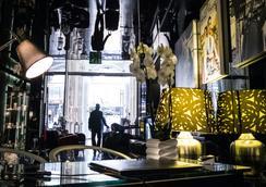라 그리페 로마 - 엠갤러리 바이 컬렉션 - 로마 - 로비