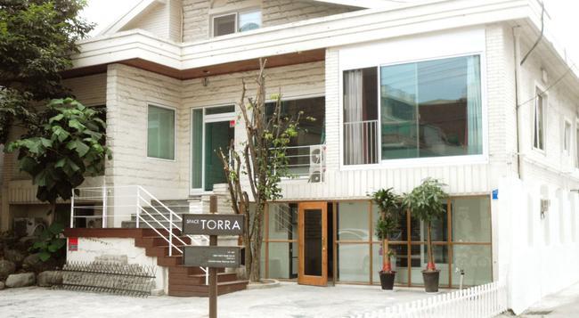스페이스 토라 게스트하우스 - 서울 - 건물