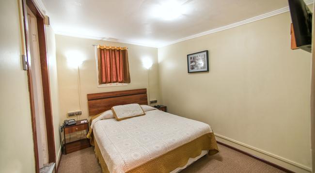 Hotel Sahara Inn - 산티아고 - 침실
