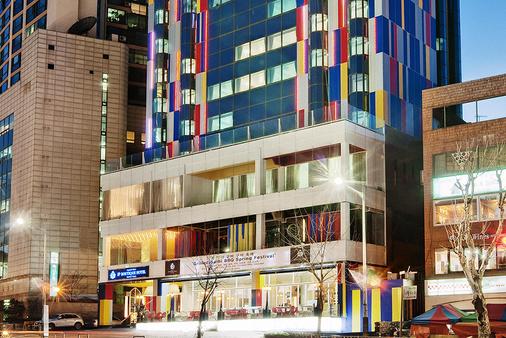 임피리얼 팰리스 부티크 호텔, 이태원 - 서울 - 건물