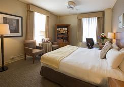 이그제큐티브 호텔 퍼시픽 - 시애틀 - 침실